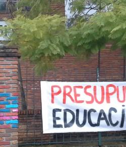 Liceo 51 ocupado en el marco del Paro del Zonal Oeste 31/07/15