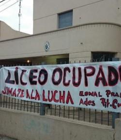 Imágenes de la ocupación del Liceo 18 llevada a cabo por el Núcleo Sindical