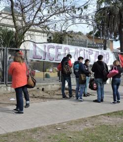 Imágenes de la ocupación del Liceo 9 llevada a cabo por el Núcleo Sindical