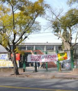 Núcleo Sindical del Bauzá convoca a familiares a charla informativa sobre el conflicto docente: 13/08, 17 hs.