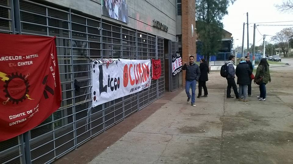 Tras la conquista de varias de sus reivindicaciones, trabajadores del Liceo N° 40 levantan la medida de ocupación