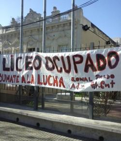 Imágenes de la ocupación del Liceo 54 llevada a cabo por su Núcleo Sindical
