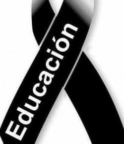 Con el anuncio de esencialidad, la educación pública está de luto