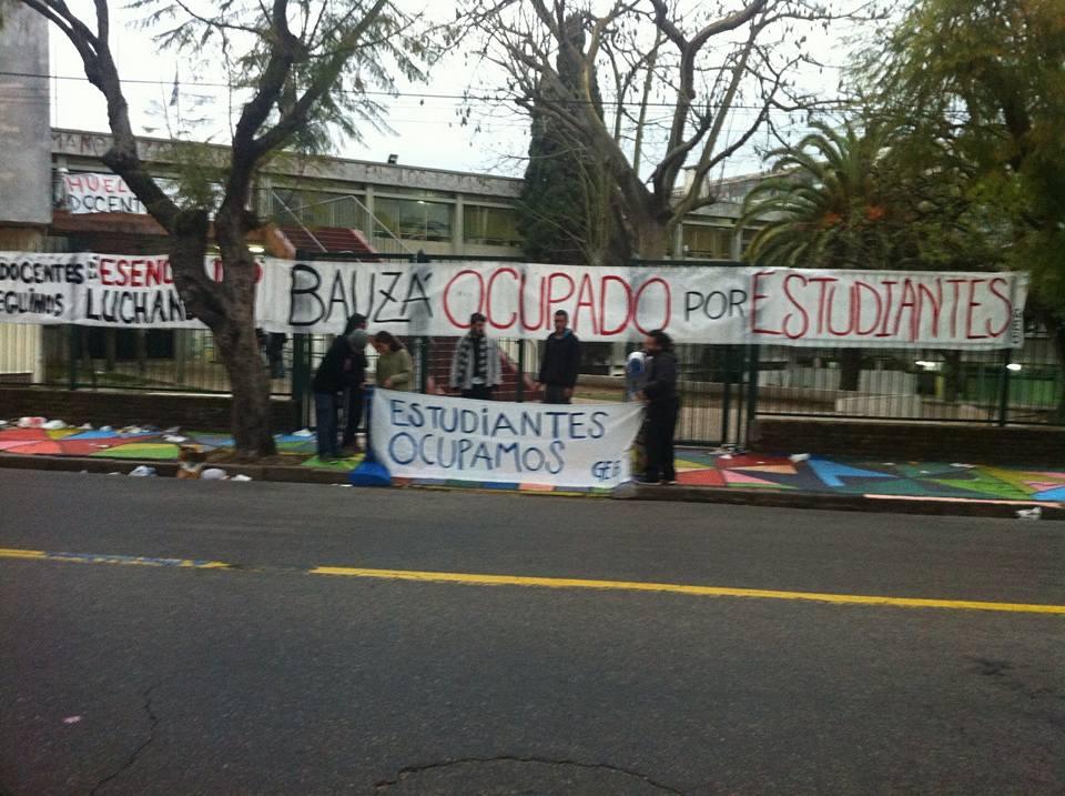 Núcleo Sindical del Liceo N° 6 rechaza accionar policial contra ocupación estudiantil