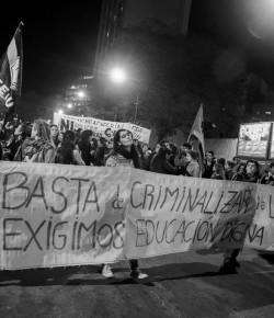 Marcha en defensa de la Educación Pública y contra la Represión. Cobertura de Rebelarte