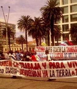 Trabajadores de Bella Unión instalan campamento en Montevideo