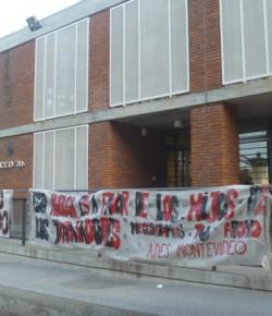 Núcleo Sindical de Profesores del Liceo 70 no aplica Circular de Permanencia de Estudiantes