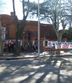 Núcleo Docente del Liceo 22 denuncia pésima situación edilicia y falta de respuesta del CES