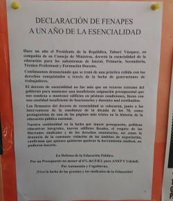 Carteleras de liceos montevideanos a un año del decreto fascista de esencialidad