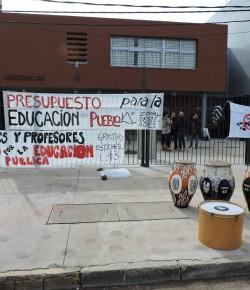 Núcleo Sindical del Liceo 43 exige al CES creación de cargos y no más de 25 estudiantes por grupo