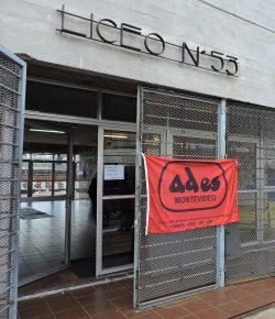 Núcleo Sindical del Liceo 53 exige soluciones a superpoblación y no acepta aulas en contenedores