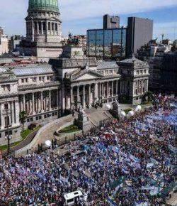 Declaración de la AGD de FENAPES en respaldo a la lucha de los compañeros docentes argentinos