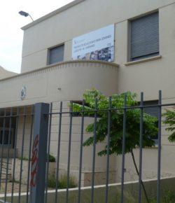 Núcleo Sindical del Liceo 18 denuncia situación laboral vulnerable y resuelve ocupar el centro