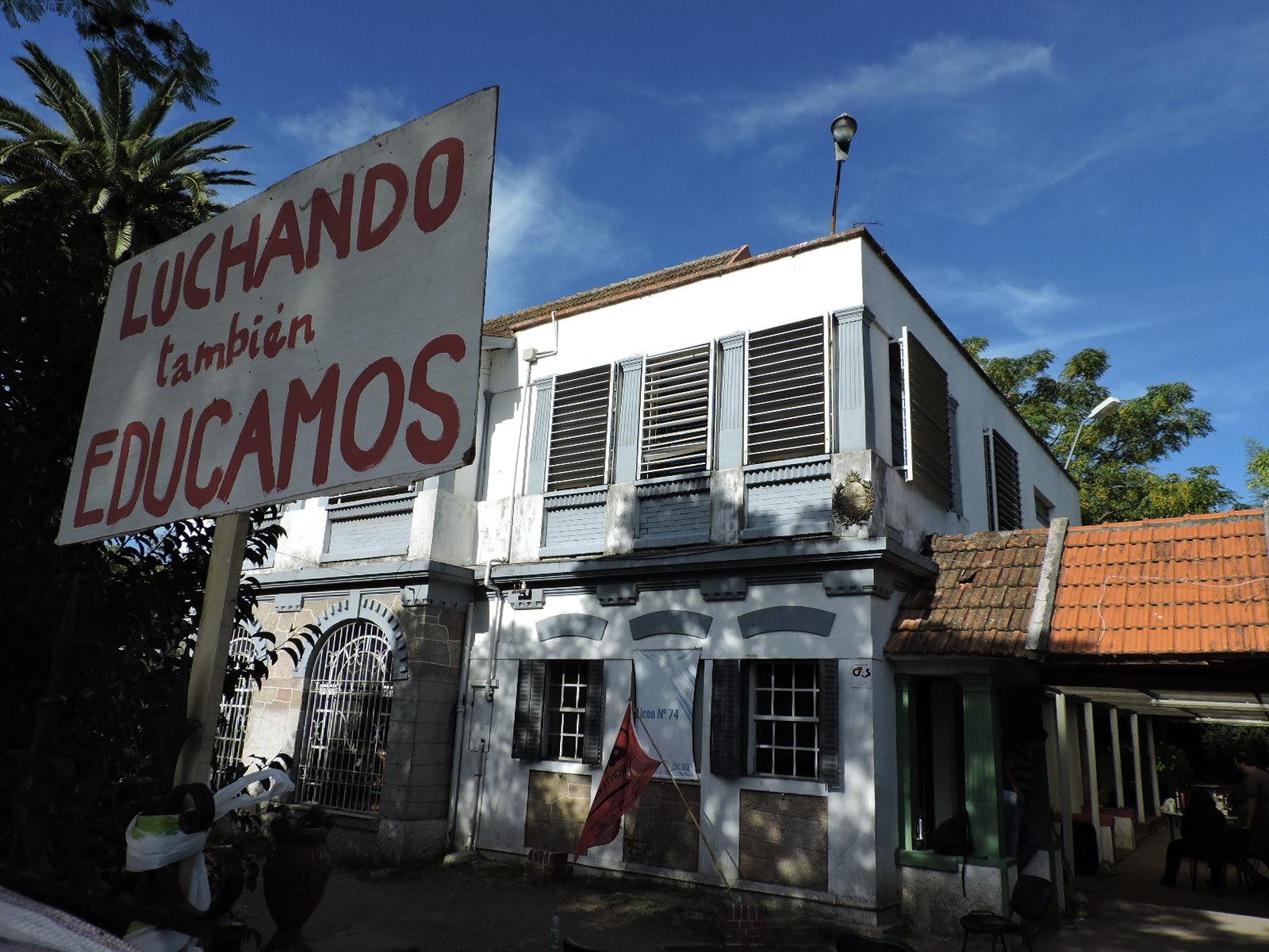Trabajadores del Liceo N° 74 ocuparán el centro ante acciones y omisiones del CES