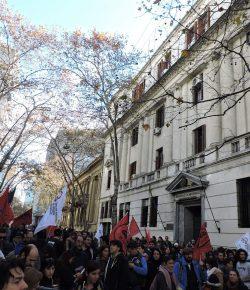 Imágenes de la Concentración frente a la sede del MEF. Cobertura: Julio Moreira