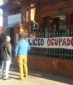 Núcleo Sindical del Liceo 22 denuncia incumplimientos del CES y ocupa el centro de estudios