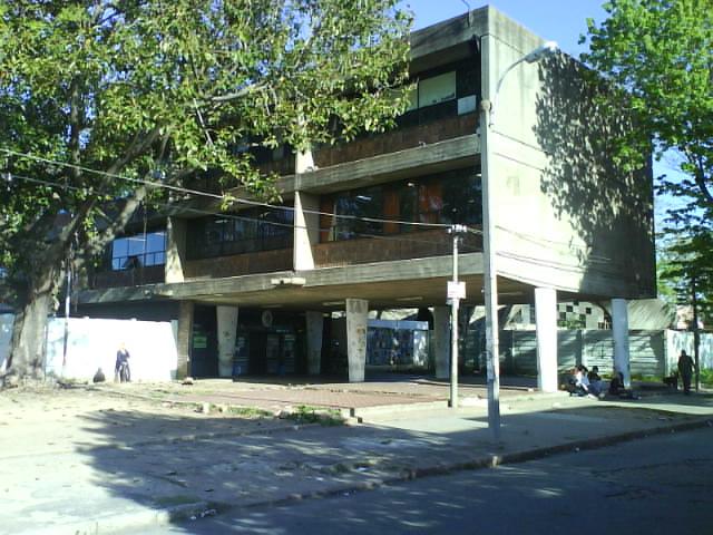 """Comunicado del núcleo del Liceo N° 26 """"Líber Falco"""" sobre el cambio de nombre del centro."""