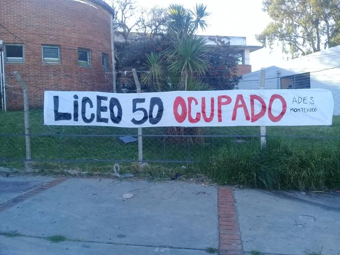 Núcleo Sindical del Liceo N° 50 aplaza ocupación a la espera del cumplimiento de lo prometido por el CES